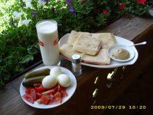 hogy jól induljon a nap - szerény tiroli reggelijeim egyike ;)